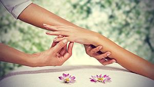 professional-hand-massage